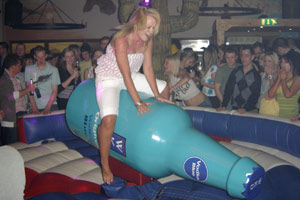 Rodeo bottle ride hire